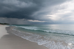 Tormenta en arribo (andrea.prave) Tags: sea mer storm praia beach nature weather clouds strand mar meer nuvole mare cuba wolken playa natura des nubes tormenta caribbean nuages temps   plage  spiaggia wetter kuba  meteo  caribe tiempo tempesta tempte caraibi sturm carabes  karibik                  eli