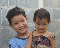 brother and sister (the foreign photographer - ) Tags: portraits children thailand nikon sister brother bangkok khlong bangkhen thanon d3200 dec262015nikon