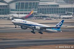 Fukuoka Airport 2016.1.17 (32) JA741A / ANA's B777-200 (double-h) Tags: airplane ana   fuk b777 fukuokaairport   rjff b777200 ja741a eos7dmarkii ef100400mmf4556lisiiusm accinfukuoka