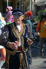 Socit de Ste. Anne 072 (Omunene) Tags: costumes party fun neworleans parade alcohol mardigras partytime faubourgmarigny licentiousness neworleansmardigras walkingparade socitdesteanne mardigras2016 alcoholfueledlicentiousness roylstreet