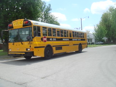 2012 IC RE - Owensboro Independent 2512 (Seasonal Spectacular) Tags: international schoolbus typed icre owensboroindependent