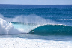 #kellyslater #pipeline #volcompipepro #Hawaii #2016 (Run amuck) Tags: hawaii pipeline kellyslater 2016 volcompipepro