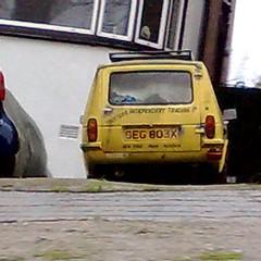 (uk_senator) Tags: robin yellow 1981 reliant