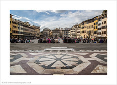 Divine inspiration! (andyrousephotography) Tags: camera inspiration florence drink copycat tourists icecream piazza viewpoint wanderer crowded settings pleased santacroce retake mrsr