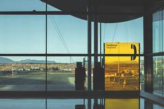 T4 (Carlos del Barrio) Tags: madrid sol sunshine airport flughafen aeropuerto t4 barajas soleado