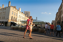 Place Saint-Louis - Metz (France) (Meteorry) Tags: city boy people urban sunlight man france male feet square evening europe candid young july twink flipflop teen soir lorraine ville metz gamin homme mec heatwave moselle canicule jeunehomme 2015 boyfeet meteorry crditagricole placesaintlouis ensoleille auvergnerhnealpes alsacechampagneardennelorraine alsacechampagneardennelorrain