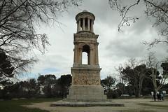 Mausoleo de Glanum (Txaro Franco) Tags: lesantiques glanum francia france saintrmydeprovence provenza provence mausoleo romano mwm martesdenubes arquitecture arquitectura imperioromano arteromano