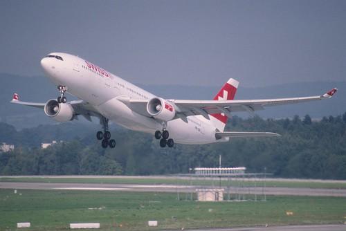 260am - Swiss Airbus A330-200;