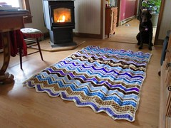 Coreen Freniere (The Crochet Crowd) Tags: game stitch right blanket afghan throw crochetblanket thecrochetcrowd stitchisright