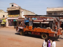 Bore truck (Voyou Desoeuvre) Tags: india places badami