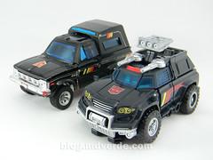 Transformers Trailbreaker Deluxe - Generations Takara - modo alterno vs G1 (mdverde) Tags: deluxe transformers g1 generations takara autobots trailbreaker trailcutter