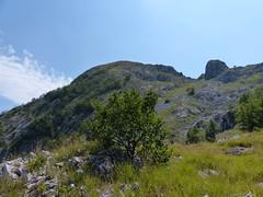 Cima della Mirandola (Emanuele Lotti) Tags: park italy parco mountain alps montagne trekking italia hiking tuscany mura monte toscana della alpi montagna apuane cima monti rudere ruderi capanna apuan escursionismo escursioni mirandola capanne