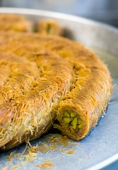 Mansoura Middle Eastern Pastry Shop (David Lebovitz) Tags: newyork fruit brooklyn chocolate honey pistachio pastry middleeastern baklava syrian kataifi filodough kaak mansoura mansouras