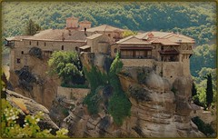 - Monasterios  (jose luis naussa ( + 1,7 k w. )) Tags: unesco meteora monasterios  saariysqualitypictures vividstriking  grecia worldheritagelist455