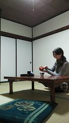 Tea time in ryokan (eweliyi) Tags: woman me girl japan self table sitting tatami ryokan asu ja teatime japanesetea project365 eweliyi 365v4 asumionsen