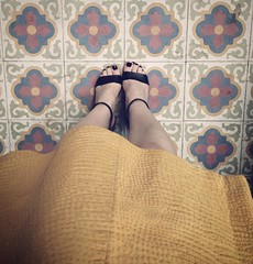 Quando a sandlia a saia E o piso so lindos  alegria que no cabe! Snapchat lucianar . . When the shoes the skirt AND the tiles are gorgeous it's too much joy for words! #lululooks (blogLucianaLevy) Tags: its for words shoes o gorgeous   joy skirt que tiles e when and much alegria too no so lindos sandlia saia quando cabe piso  lucianar snapchat lululooks