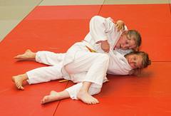 Katharina - selbstbewusst wie immer (Gnter Hickstein) Tags: judo sports sport video fight martialarts selfdefense uelzen kampf kampfsport fightsport djb njv selbstverteidigung jguelzen gnterhickstein fightsports judosport