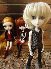 Liam Horner y las damas (Lunalila1) Tags: modern doll nosferatu pale liam aurora groove pullip sesion elisabeth horner malizia enok taeyang junplaning katniss