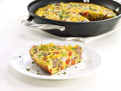 BREAKFAST SAUSAGE FRITTATA (farmerjohnla) Tags: breakfast la losangeles sausage foodies brunch frittata farmerjohn lafoodies sausagefrittata farmerjohnla