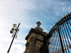 #farola #streetlight #puerta #door #palacioreal #royalpalace #2012 #madrid #espaa #spain #turismo #tourism #cielo #heaven #sky #nubes #clouds #photography #photographer (Manuela Aguadero) Tags: madrid door sky espaa tourism clouds photography spain puerta farola streetlight heaven photographer cielo nubes turismo palacioreal royalpalace 2012 sonyalpha sonyalpha350 sonya350 alpha35020121125madrid