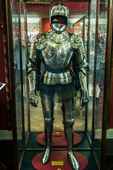 Gothic knight's harness, late 15th century (Arutemu) Tags: uk greatbritain england london history museum canon arms unitedkingdom britain gothic medieval armor knight warrior historical harness armour wallacecollection renaissance weapons knightly 6d eos6d canon6d