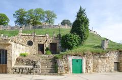Bodegas del Castillo (Astudillo, Palencia) (rabiespierre) Tags: bodegas castillo palencia astudillo cerrato
