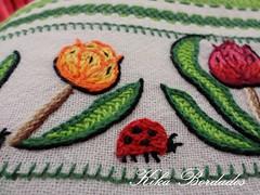 KikaBordados Kika  Krauss 129 (Kika Bordados by Angelica Krauss) Tags: flowers flores frutas fruits branco cores crochet craft bordados bordado croche panosdepratos bordadosfeitomo kikabordadoskikakrauss