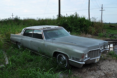Clarksdale - Beautiful Boat... (Drriss & Marrionn) Tags: usa cars car mississippi restaurant hotel outdoor cadillac vehicles vehicle vintagecars americancars vintagevehicles clarksdale shackupinn americanclassiccars americanvintagecars 1969cadillacsedandeville
