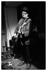 David Thomas And Two Pale Boys @ Cafe Oto, London, 30th January 2016 (fabiolug) Tags: leica blackandwhite bw music london monochrome rock 35mm blackwhite concert guitar live gig livemusic performance rangefinder summicron monochrom biancoenero dalston avantrock electricguitar davidthomas leica35mm pereubu avantfolk leicam 35mmsummicronasph leicasummicron summicron35mmf2asph andydiagram keithmolin twopaleboys 35mmf2summicronasph cafeoto summicronm35mmf2asph mmonochrom leicammonochrom leicamonochrom grahamdowdall davidthomasandtwopaleboys