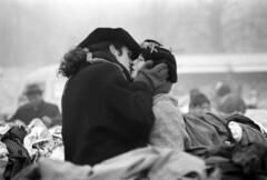 Berlin (denismartin) Tags: two people blackandwhite berlin love germany deutschland market kisses nb berlinwall deux marché zwei kodaktmax100 minoltax500 polenmarkt berlin1989 argenticpic