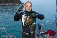 IMG_1571bS (forum.linvoyage.com) Tags: ocean sea thailand fishing underwater yacht outdoor diving freediving sail phuket spearfishing                 phuketian forumlinvoyagecom httpforumlinvoyagecom phuketphotographernet
