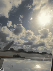 Plane Perspective [5] (Idrovo_Oscar) Tags: light cloud sun sol clouds plane airplane airport shoot photoshoot nubes avin nube openair airelibre aereopuerto piccingproyect