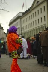 Farbe gegen Grau (tmertens0) Tags: carnival silver germany wiesbaden hessen bokeh 9 jupiter fest umzug februar fastnacht feier