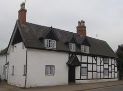 [39421] Repton : 34 High Street (Budby) Tags: house blackwhite 17thcentury derbyshire timbered repton
