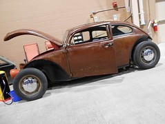 1965 Volkswagen Beetle (splattergraphics) Tags: vw volkswagen beetle carshow harrisburgpa 1965 ratrod customcar motorama volksrod pafarmshowcomplex