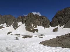 W drodze na Pic Astazu, staw LAc Helado pod śniegiem