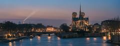 Paris - Notre Dame Panorama (claudecastor) Tags: panorama paris france rot tower church seine skyline frankreich nightshot cathedral dom eiffeltower kathedrale kirche notredame toureiffel bluehour eiffelturm nachtaufnahme ledelacit blauestunde sakral