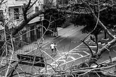 (roalbueno015) Tags: urban white black branco brasil canon pessoas preto e urbana paulo so minhoco rotina monocromatico