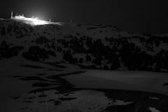 un point lumineux (glookoom) Tags: light blackandwhite bw black france monochrome montagne landscape lumire contraste neige extrieur nuit blanc lampadaire chamrousse rhnealpes