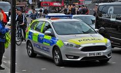 One of the Latest 2016 London Metropolitan Police Ford Focus Cars BV16 UWU (standhisround) Tags: london ford car trafalgarsquare police vehicle met emergency 999 fordfocus battenberg metropolitanpolice metpolice bv16uwu
