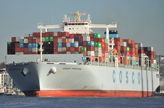 Cosco Portugal (Bernhard Fuchs) Tags: water boot boat nikon wasser ship ships cargoships hamburg vessel cargo schiff elbe schiffe cosco containerschiff frachtschiff containerschiffe frachtschiffe
