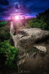 La gran roca (PhotoDyaz) Tags: sky mountain rock stone forest landscape atardecer twilight spain nikon paisaje bosque cielo wa montaa roca haida navarra piedra 1635 gnd badpter josflixgarcadaz photodyaz
