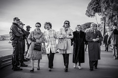 Collective insurance [Explored] (_Franck Michel_) Tags: old sea people mer