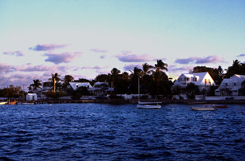 "Bahamas 1989 (358) Eleuthera: Dunmore Town, Harbour Island • <a style=""font-size:0.8em;"" href=""http://www.flickr.com/photos/69570948@N04/23771905573/"" target=""_blank"">View on Flickr</a>"