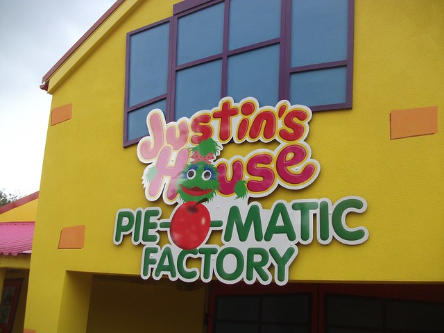 Justin's House Pie-O-Matic Factory
