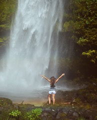 Poder (Janis Grace Cabrera) Tags: chile puerto ensenada sur montt puertovaras surdechile cascadas regindeloslagos janisgracephoto