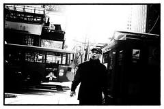 Ephemere 33 (lunecoree) Tags: art monochrome 35mm canon eos photo noir sigma korea 1d seoul mk2 coree et blanc   bordure