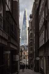 A Shard between the streets (daniele.esposito.world) Tags: street building london glass architecture contrast skyscraper piano shard renzo