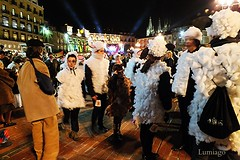 Carnaval en la Plaza  (Burgos) (Lumiago) Tags: espaa spain fiesta disfraz nocturna carnaval plazamayor burgos castillaylen carnaval2016