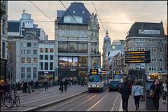 GVB 914 + 916 (11G) - Koningsplein (Amsterdam) (Mark van der Meer) Tags: amsterdam tram publictransport gvb openbaarvervoer 11g koningsplein grachtengordel lijn5 gemeentelijkvervoerbedrijf tramlijn5 trapwagen gemeentelijkvervoerbedrijfamsterdam hangbuiken